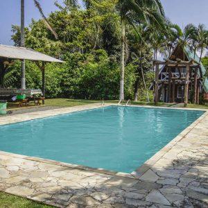 chale-e-piscina